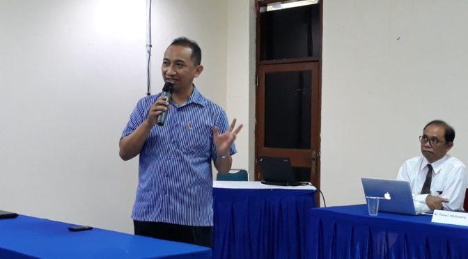 Pembicara Kurikulum E-Commerce di STIK Immanuel